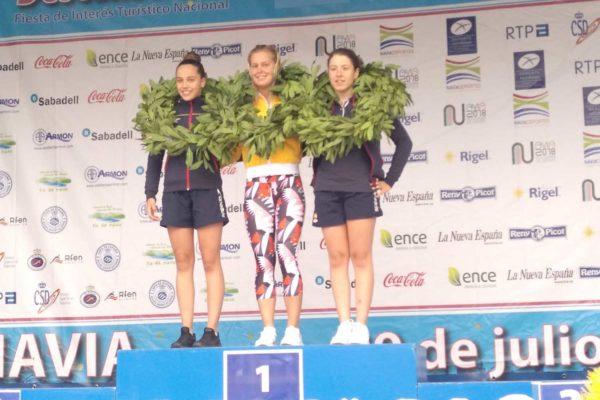 Sharon van Rouwendaal, Finnia Wunram e Andrea Domínguez, un podio de luxo